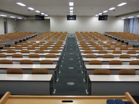 4号館1階講義室(411)