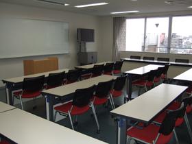4号館5階講義室(451)