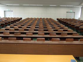 9号館5階講義室(951)