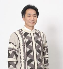 津村 修志